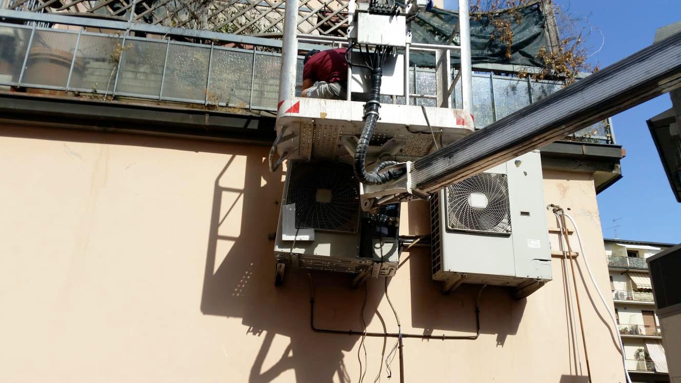 Installatori aria condizionata a impianti di refrigerazione a Firenze dal 1991: progettazione, manutenzione, assistenze programmate.
